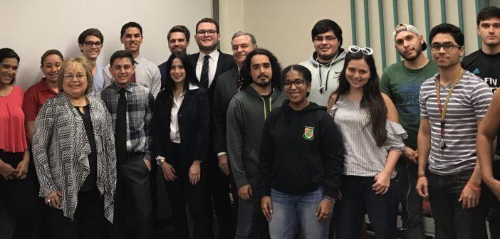 Estudiantes Dra. Lozada con la Presidente y Directora del CCPA PR